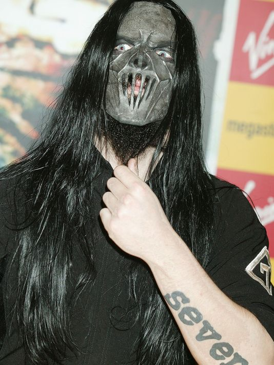 Mick Thomson of Slipknot at a 2004 appearance in London.(Photo: Getty Images)